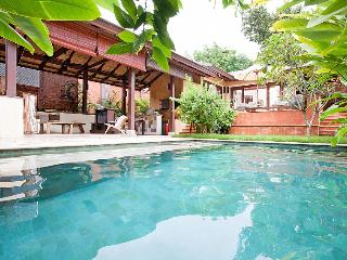 Perfect Villa with Balcony and Microwave - Koh Lanta vacation rentals