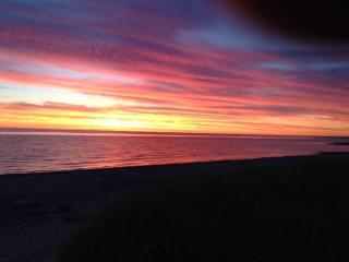 OPEN ALL YEAR-Enjoy East Sandwich Beach this Fall - East Sandwich vacation rentals
