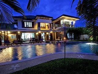 Expansive 6 bed villa at Chiang Mai - San Phi Suea vacation rentals
