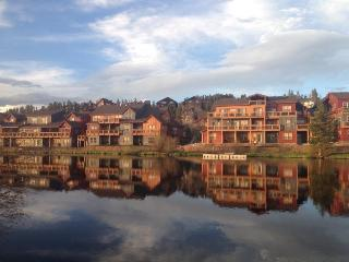 Waterside West Townhome Condo - 3 Bedroom with Fan - Fraser vacation rentals
