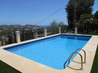 Casa Benimeit in Moraira - Value for money - sat tv & air con plus views - Deals - Moraira vacation rentals