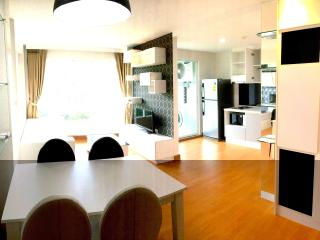 Elegant 2 bedroom in Condo with pool, gym.wifi 252 - Kathu vacation rentals