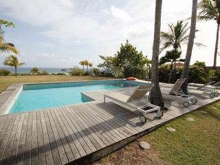 Charming 3 bedroom Saint-François Villa with Internet Access - Saint-François vacation rentals