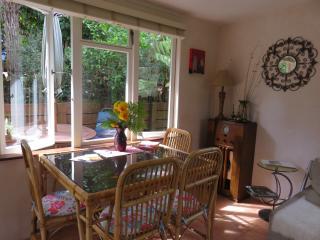 Charming 2 bedroom Onetangi Cottage with Internet Access - Onetangi vacation rentals