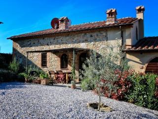 I'l Granario - Lovingly restored stone-built Tuscan barn - San Gimignano vacation rentals