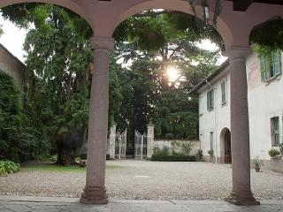 Cozy 1 bedroom Nerviano Bed and Breakfast with Internet Access - Nerviano vacation rentals