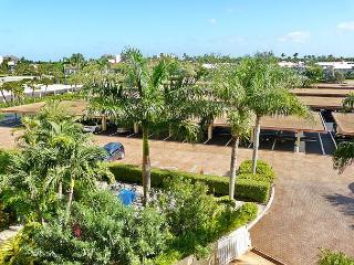 Peaceful beachfront condo w/ heated pool & balcony w/ a sunrise view - Marco Island vacation rentals