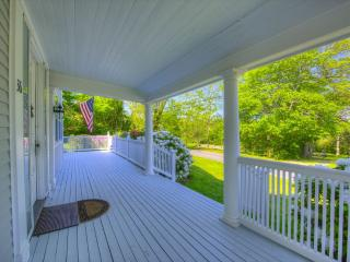 BREATHTAKING PROPERTY ON THE BAYSIDE !! 125349 - Barnstable vacation rentals