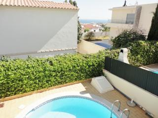 Linked villa with pool in Albufeira - Albufeira vacation rentals