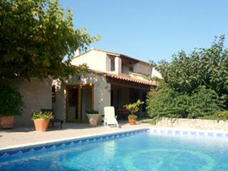 Nice House with Internet Access and A/C - L'Isle-sur-la-Sorgue vacation rentals