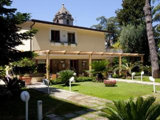 Comfortable 5 bedroom House in Sorrento - Sorrento vacation rentals