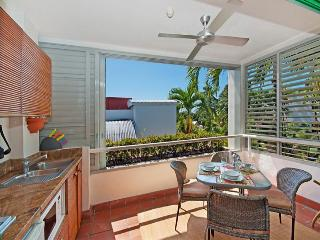 311 Club Tropical - Budget Accommodation - Port Douglas vacation rentals