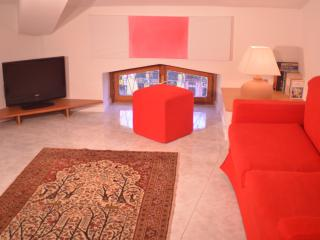 Adorable Cagliari Apartment rental with A/C - Cagliari vacation rentals