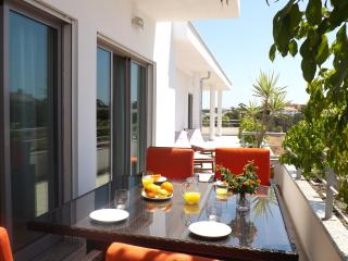 Amazing 3 Bed Apartment with swimming pool - Olhos de Agua vacation rentals
