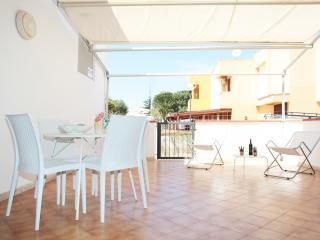 Faro Rosso, bilocale in residence fronte mare - San Vito lo Capo vacation rentals
