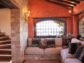 Comfortable Villa with Internet Access and Television - Todi vacation rentals
