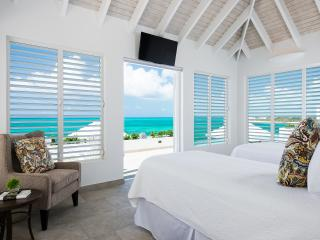 Lovely Villa with Internet Access and Shared Outdoor Pool - Providenciales vacation rentals