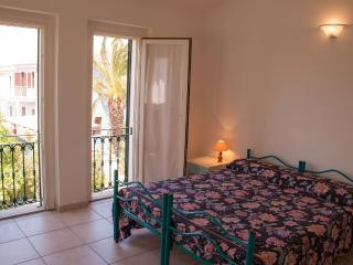 Comfortable Villa with Deck and Television - Tanaunella vacation rentals