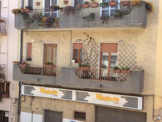 Bright 3 bedroom Townhouse in Pomarico with Internet Access - Pomarico vacation rentals