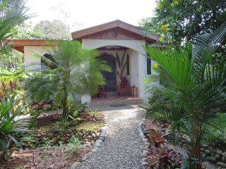 Casa Beauty and the Beach: 200m to beach with pool - Puerto Viejo de Talamanca vacation rentals