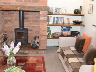 2 bedroom Cottage with Internet Access in Nantwich - Nantwich vacation rentals