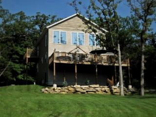 Tablerock Seclusion-150' to Shore, Hot Tub w/View! - Ridgedale vacation rentals