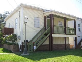 Tree House Cottage - Near Beach - $175-$190 - Galveston vacation rentals