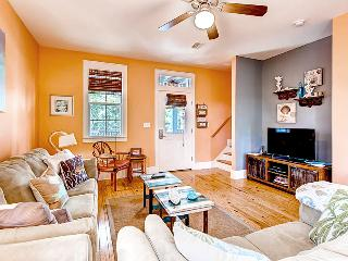 Barefoot Cottages D125-2BR-AVAIL7/31-8/3-RealJOY FunPass*FREETripIns4NEWFallBkgs*Screened Porches - Port Saint Joe vacation rentals