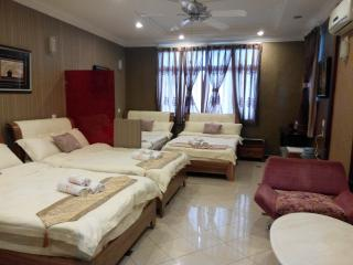 Ella Holiday Inn - Family Suite (5 Adults) - Ipoh vacation rentals