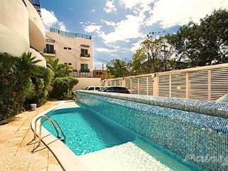 ALLEGRO - 2 Bedroom Apartment Downtown Playa! - Playa del Carmen vacation rentals