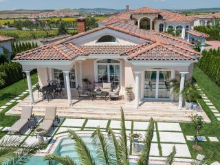 Wonderful 2 bedroom Villa in Sunny Beach - Sunny Beach vacation rentals