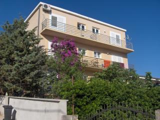 APARTMENTS AND ROOMS DORA /room 3 - Rovanjska vacation rentals