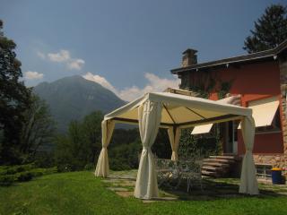 Bright 4 bedroom Villa in Menaggio with Internet Access - Menaggio vacation rentals