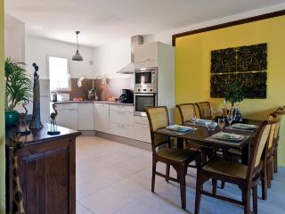 Nice House with Internet Access and Dishwasher - Port Grimaud vacation rentals