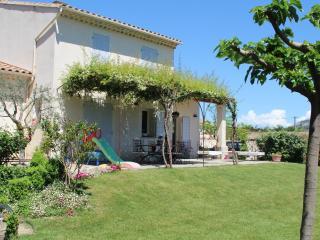Maison Vue Luberon équipée pour les enfants - Cheval-Blanc vacation rentals