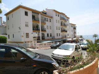 Large 3 bedroom 2 bathroom apartment, beside beach - Benalmadena vacation rentals