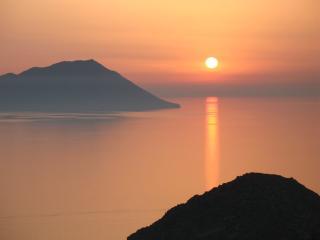 Amazing Sunset View Studio in Plaka, Milos island! - Plaka vacation rentals