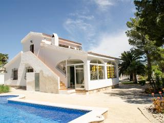 Bright 4 bedroom Villa in L'Ametlla de Mar - L'Ametlla de Mar vacation rentals