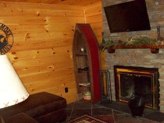 One Bedroom Condo in the Heart of Gatlinburg (Unit 206) - Gatlinburg vacation rentals