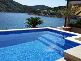Spacious Apartment Close to Beach - Vinisce vacation rentals