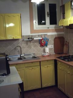 Nice Townhouse with Short Breaks Allowed and Long Term Rentals Allowed - Procchio vacation rentals