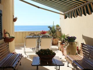 CASA NIZZA Ortigia by the sea - Syracuse vacation rentals