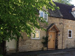 The Cottage, Vineyard Street, Winchcombe, Gloucestershire, GL54 5LP - Winchcombe vacation rentals