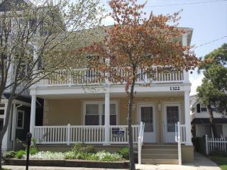 3 bedroom Condo with Deck in Ocean City - Ocean City vacation rentals