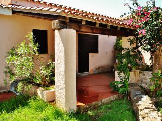 """Casa Marco - Case vacanza """"Riviera dei Pini"""" - Budoni vacation rentals"""