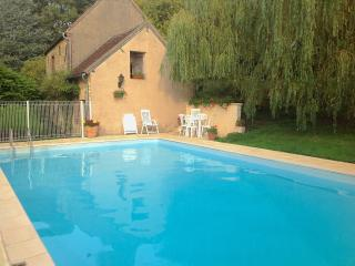 Lovely Farmhouse Barn with Internet Access and Satellite Or Cable TV - Saint-Maurice-le-Vieil vacation rentals