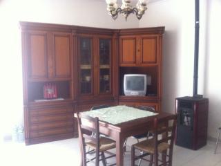 centralissima casa indipendente - Uri vacation rentals