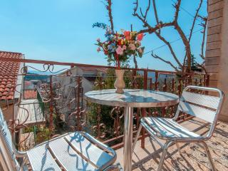 Room Poppy 5 for 3 with TV and AC - Makarska vacation rentals