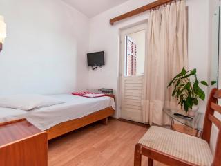 Room Poppy 11 for 1 with balcony - Makarska vacation rentals