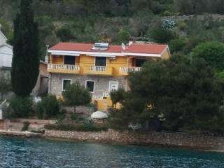 Apartment Val's Island Osljak 2 za 2+2 - Preko vacation rentals